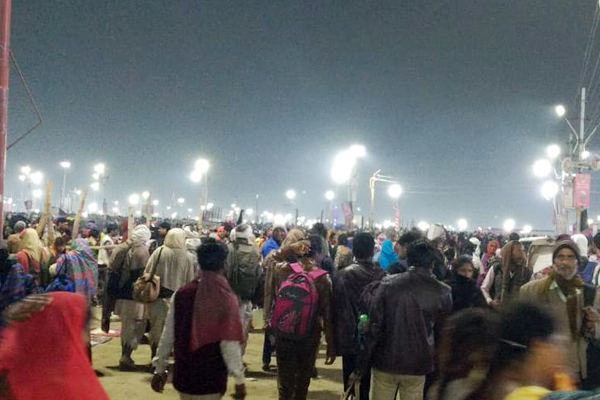 PICS: देश भर में महाशिवरात्रि की धूम, शिवालयों में उमड़े श्रद्धालु