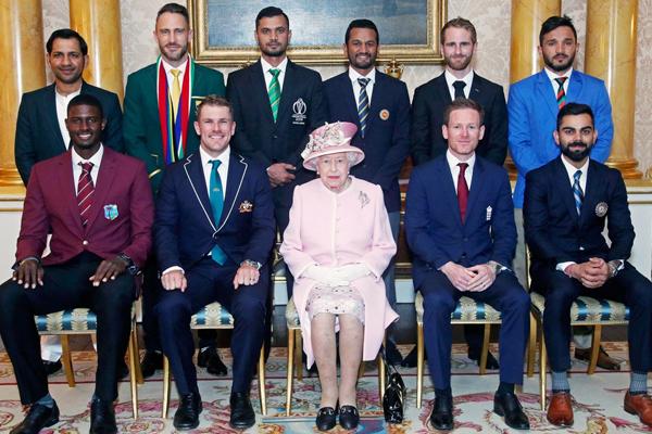 ICC World Cup 2019 का रंगारंग आगाज, क्वीन एलिजाबेथ से मिले सभी टीमों के कप्तान