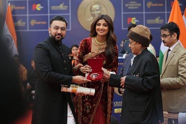 PICS: शिल्पा शेट्टी को मिला चैंपियन ऑफ चेंज अवॉर्ड