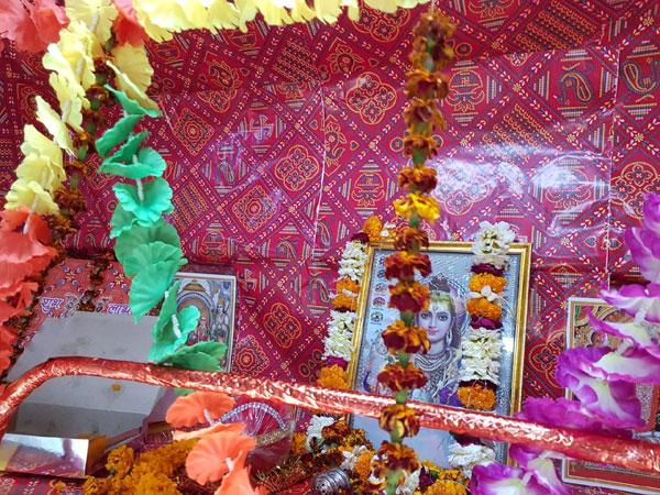 PICS: काशी-महाकाल एक्सप्रेस में भगवान शिव के लिए एक सीट आरक्षित