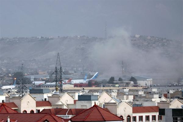 काबुल एयरपोर्ट पर जबरदस्त धमाका, 11 की मौत