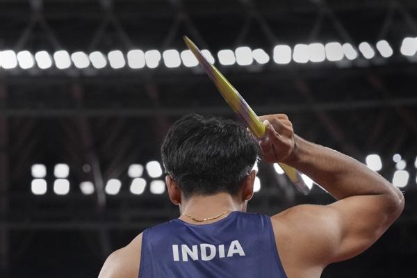 नीरज ने भाला फेंक में ओलंपिक में भारत को दिलाया गोल्ड मैडल