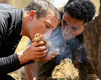 PICS: अक्षय कुमार ने बताया-रोजाना पीता हूँ गौमूत्र, हाथी के