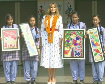 PICS: दिल्ली के सरकारी स्कूल में पहुंची मेलानिया ट्रंप, हैप्पीनेस क्लास में बच्चों संग बिताया वक्त