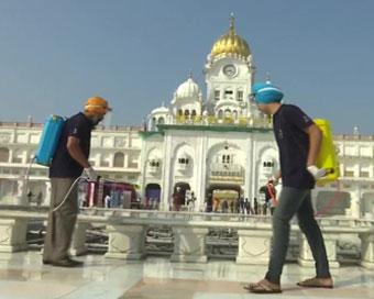 स्वर्ण मंदिर, दुर्गियाना मंदिर में लौटे श्रद्धालु