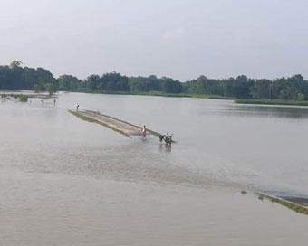 बिहार में बाढ़ से जनजीवन अस्तव्यस्त, 8 की हुई मौत